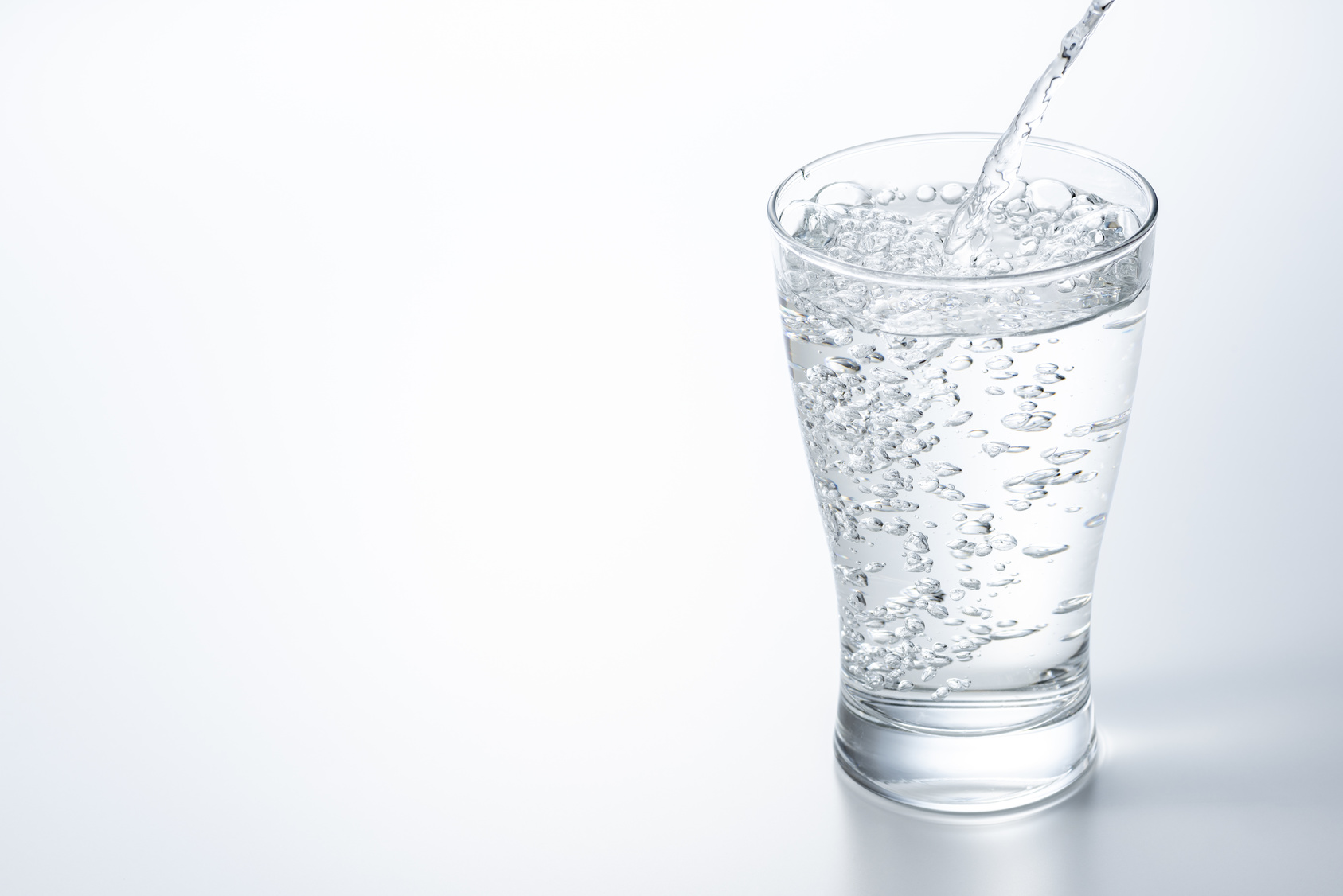 पानी पिउनु/水分補給