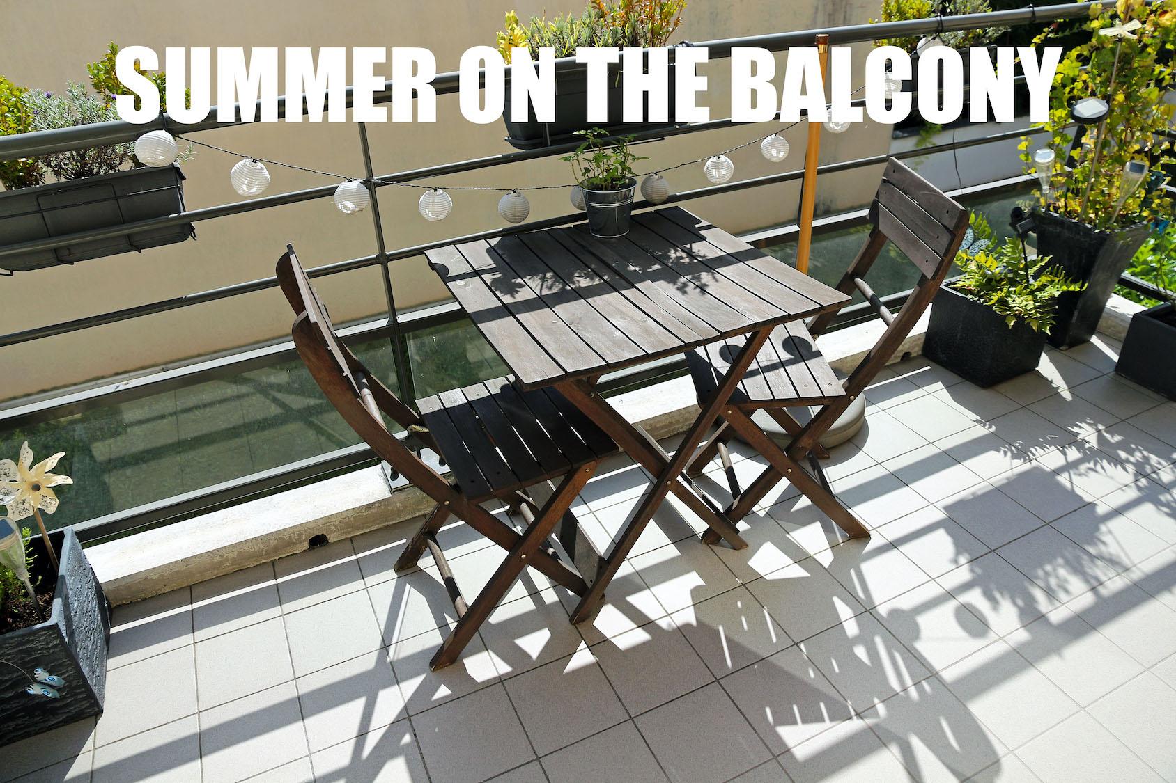 EL VERANO EN EL BALCÓN/バルコニーの夏