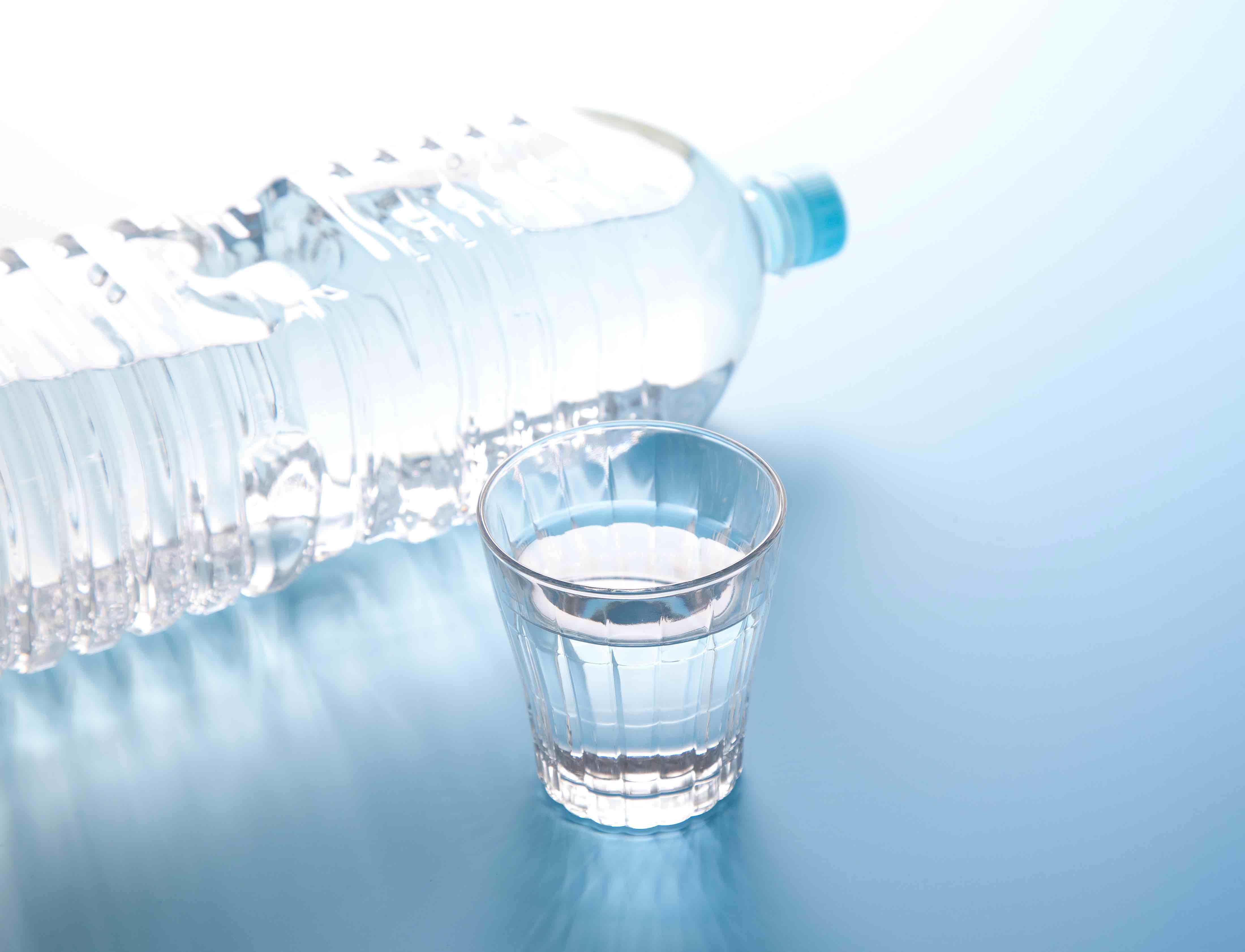 ရေဓာတ်ဖြည့်ခြင်း/水分補給