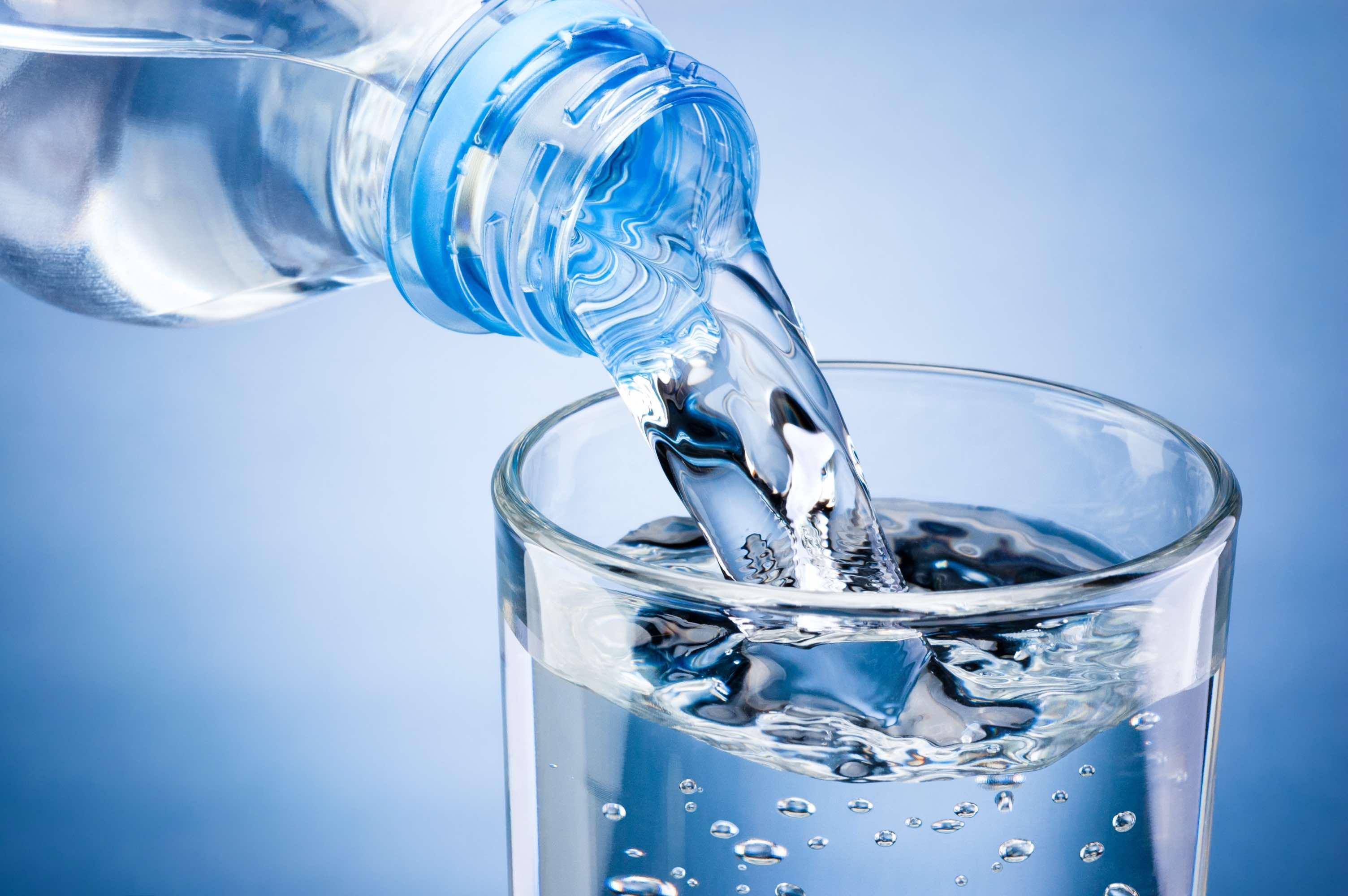 ရေဓါတ်ခန်းခြောက်ခြင်းမဖြစ်စေရန်သတိပြုပါ။/脱水症に注意