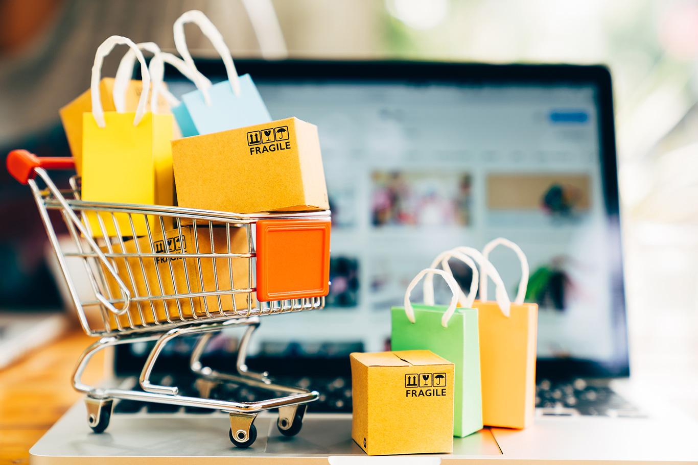 ဈေးမဝယ်ခင်တစ်ကြိမ်လောက်စဉ်းစားကြပါစို့။/買い物する前に一度考えましょう。